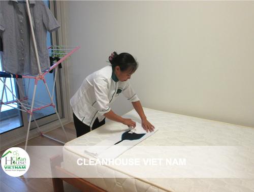 Nhân viên vệ sinh theo giờ Cleanhouse Việt Nam
