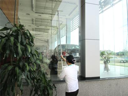 Dịch vụ vệ sinh tòa nhà, văn phòng, nhà máy của công ty Linh Minh