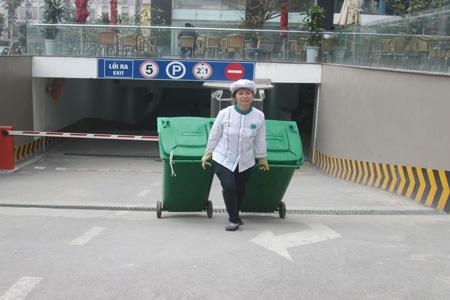 Nhân viên vệ sinh công nghiệp Cleanhouse Việt Nam