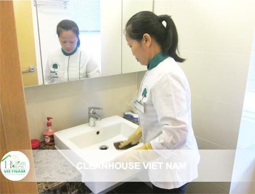 Vệ sinh công nghiệp Cleanhouse Việt Nam cung cấp dịch vụ giúp việc gia đình