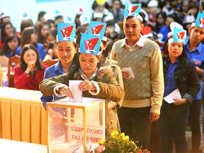 Hình ảnh: Công đoàn công ty Cleanhouse Việt Nam kêu gọi ủng hộ biển đảo số 3