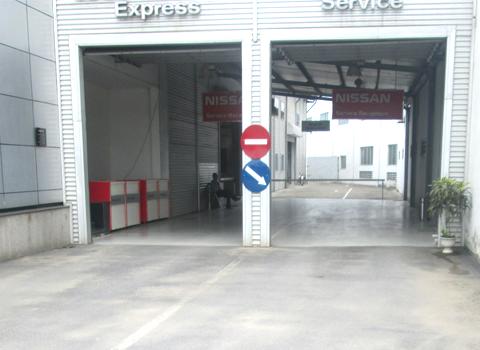 Kiểm tra chất lượng dịch vụ vệ sinh tại ô tô việt hùng